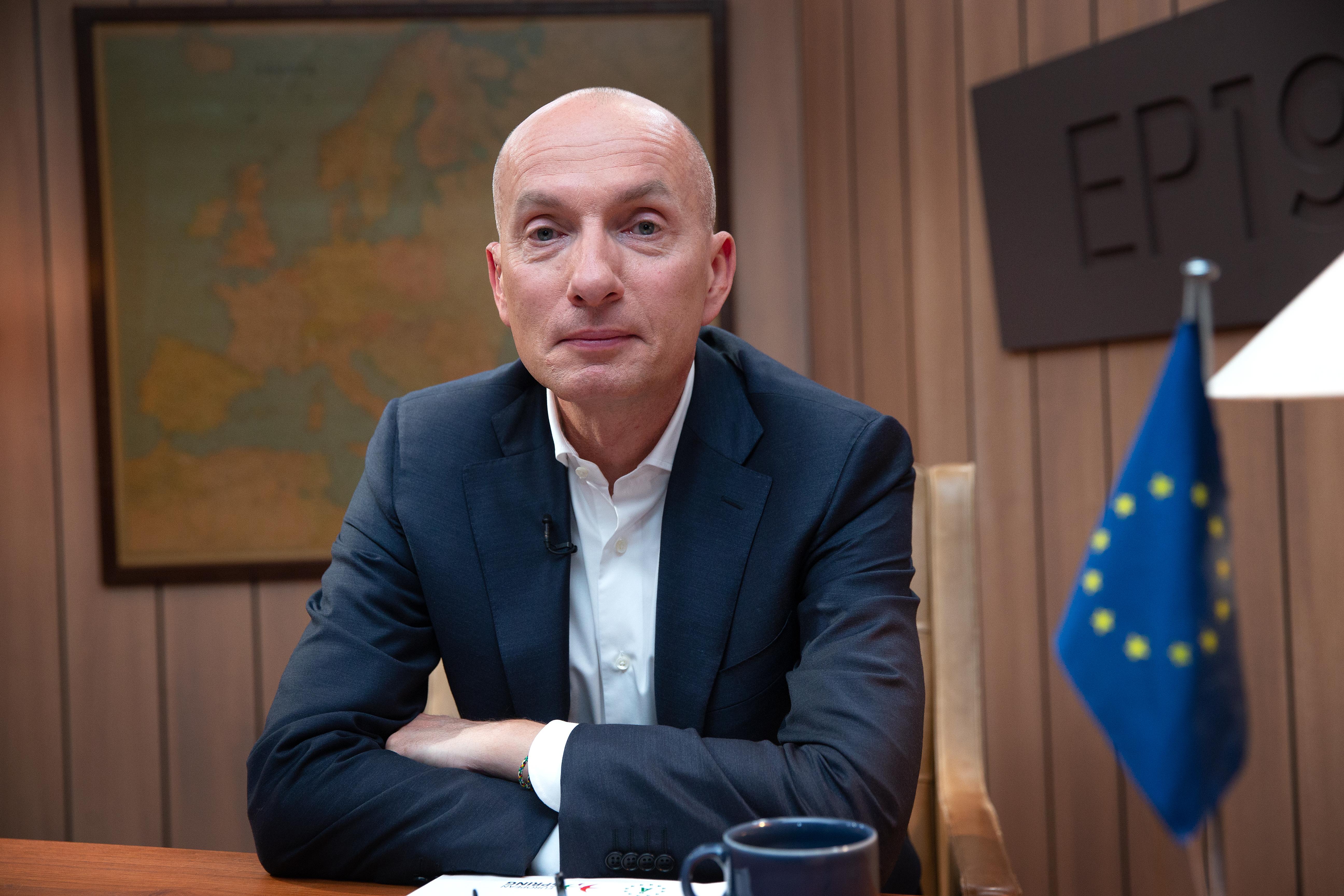 EP19: Ask og kandidaterne