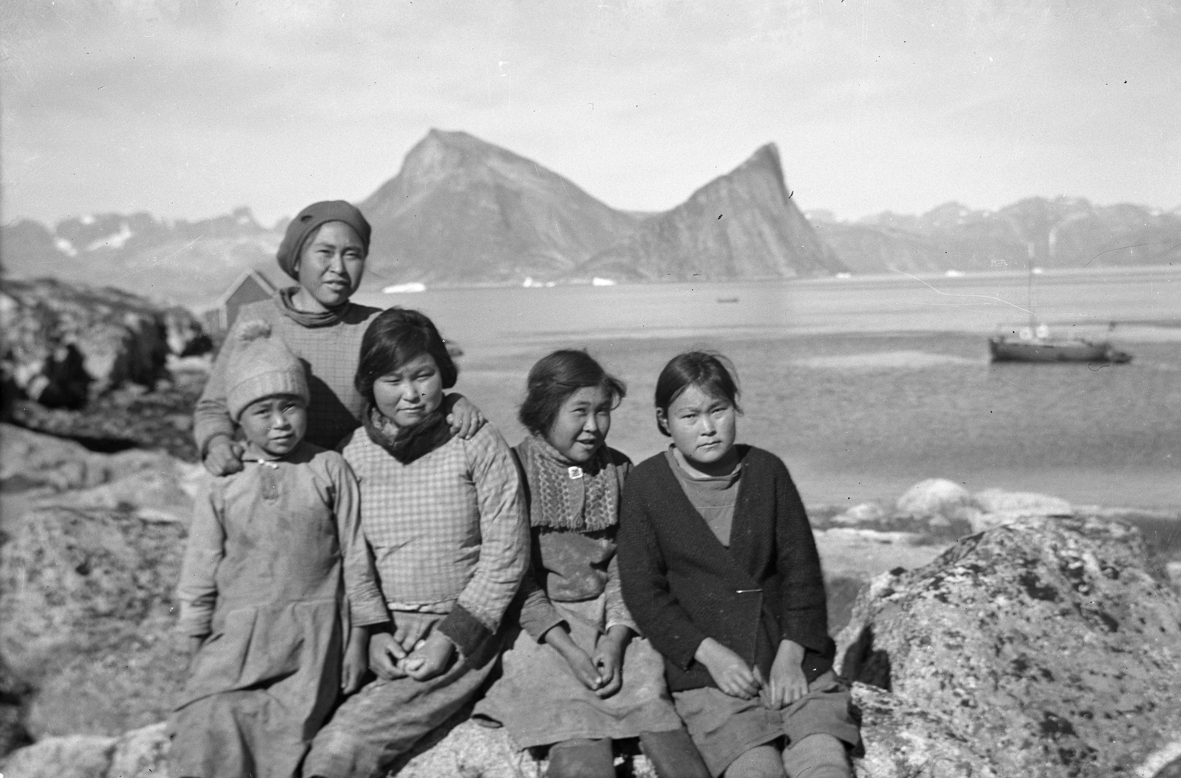 DR har ovedraget to samlinger med historiske fotos til Det Kgl. Bibliotek.